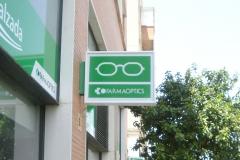 Banderola luminosa para óptica y farmacia